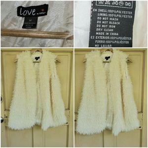 Love Fluffy Vest